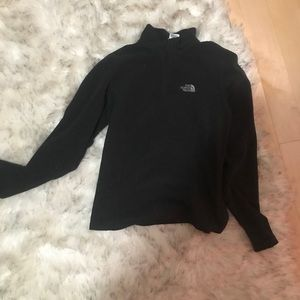 The north face pullover black